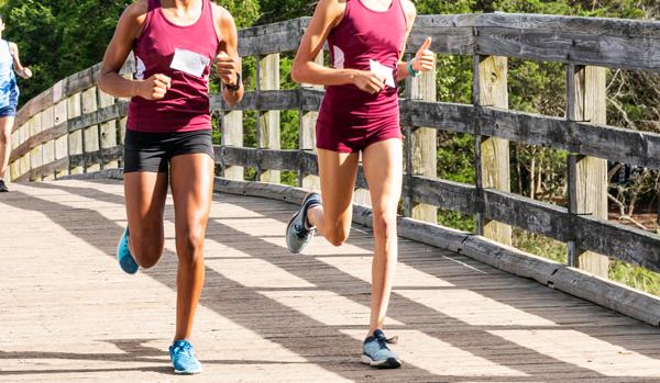 two runners running