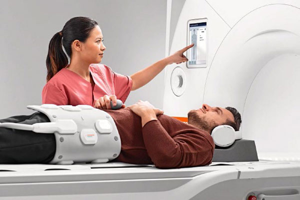 GE NUCLEAR NM/CT 850 The most advanced MRI in the region with Bio Matrix Technology.